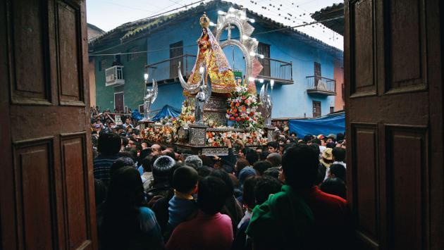 Francisco Rodríguez presenta libro fotográfico 'La Mamita de Otuzco'