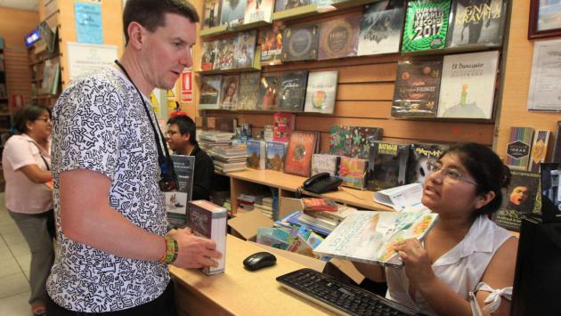 Conozca qué tipo de libros leen los extranjeros que visitan el Perú