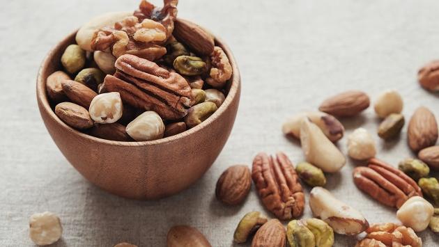 ¿Por qué debemos comer frutos secos?