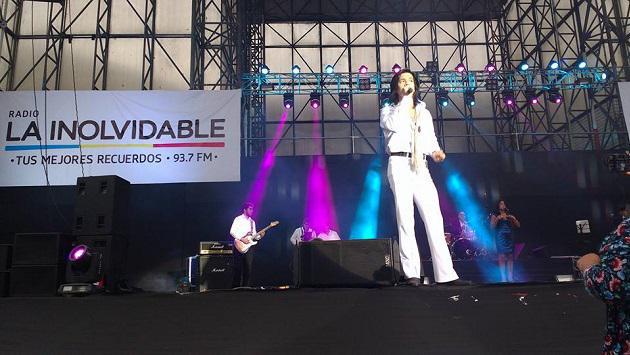 ¡Serenata a mamá de radio La Inolvidable fue todo un éxito! (VIDEO)
