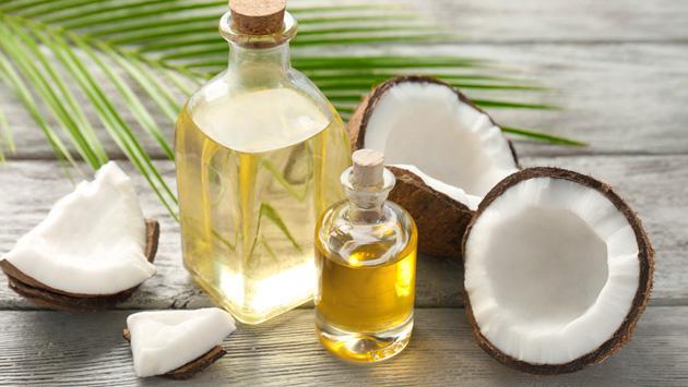 Tratamientos con aceite de coco que reducen las estrías y cicatrices