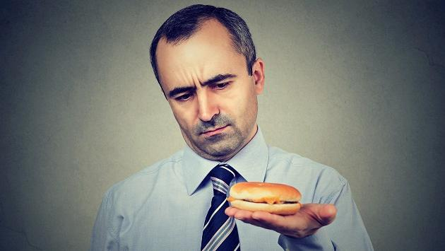 Alimentos que debes evitar consumir en la noche