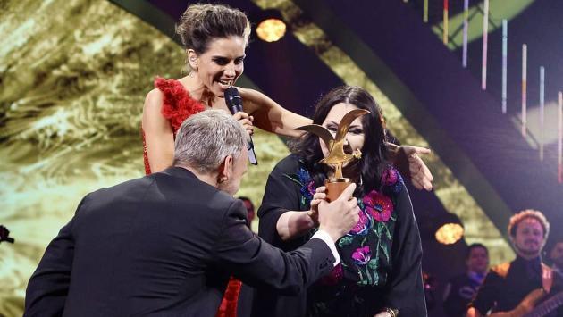 Ana Gabriel recibió Gaviota de Oro y Gaviota de Plata en Viña del Mar