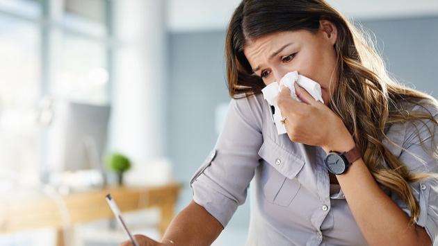 ¿Con resfriado? Estos remedios caseros te ayudarán