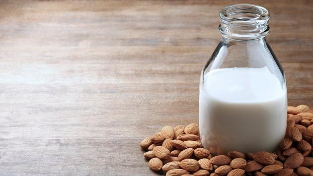 Conoce los beneficios de la leche de almendras