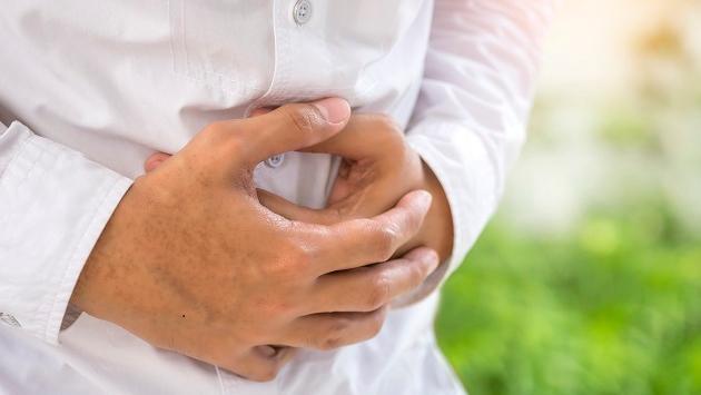 Conoce los hábitos que empeoran la gastritis