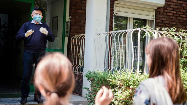 COVID-19 ¿Qué hacer si llega visita a tu casa?