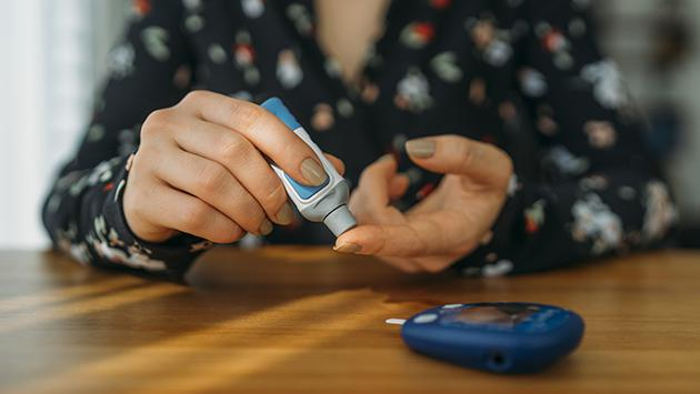 ¿Cuáles son los cuidados que debe tener un paciente con diabetes?
