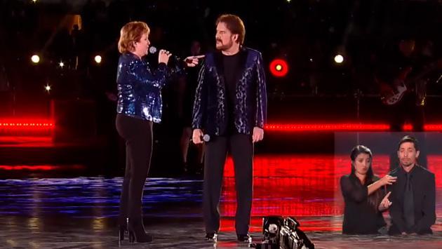 El dúo Pimpinela y traductores de señas sorprenden durante la Teletón de Chile 2017