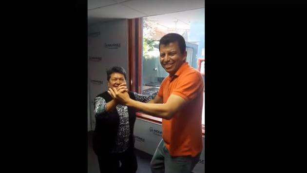 'El Flaco' Benites nos sorprendió bailando un vals con una oyente