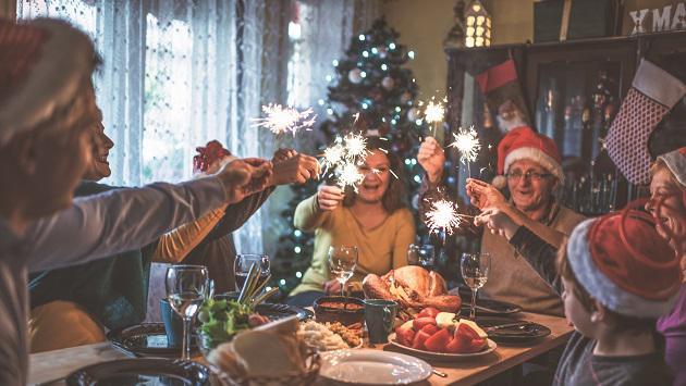 ¿Cómo debe ser tu alimentación horas antes de la cena navideña?