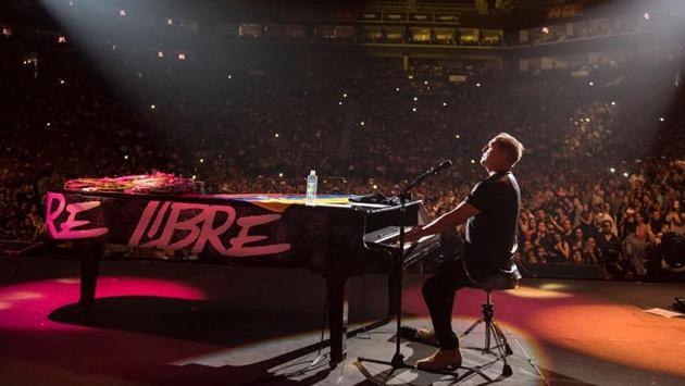 Franco De Vita explicó por qué llego 3 horas tarde a su concierto en Bogotá