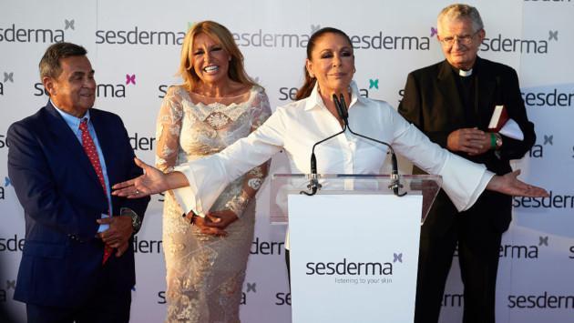 Isabel Pantoja deja 'Supervivientes' por problemas de salud