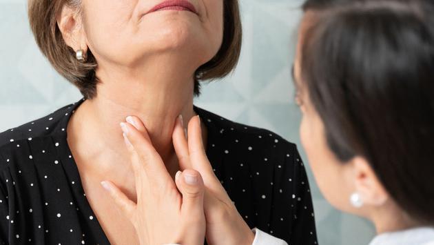 ¿Las personas con problemas de tiroides pueden tomar vitaminas? ¡El Doctor en tu casa responde!