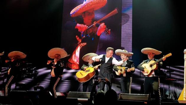 Luis Miguel repuso con éxito un concierto en Acapulco