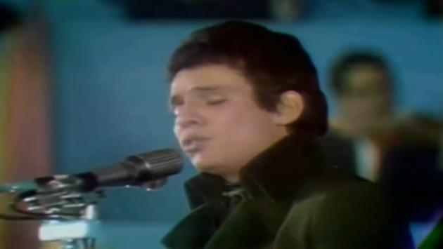 ¡Mira la primera vez que José José interpretó 'El triste'! (VIDEO)