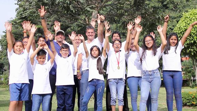 ¡Perú Champs lleva al Everest a cientos de escolares!