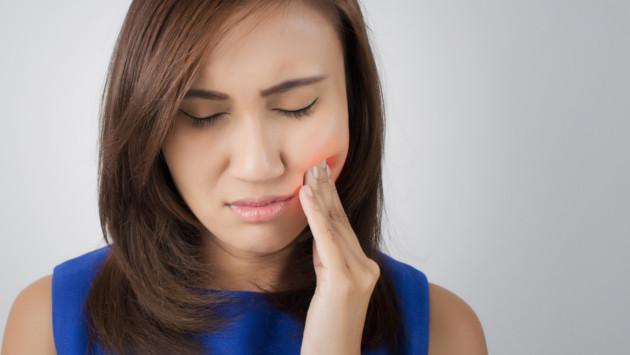 ¡Alivia el dolor de muela con este remedio casero!
