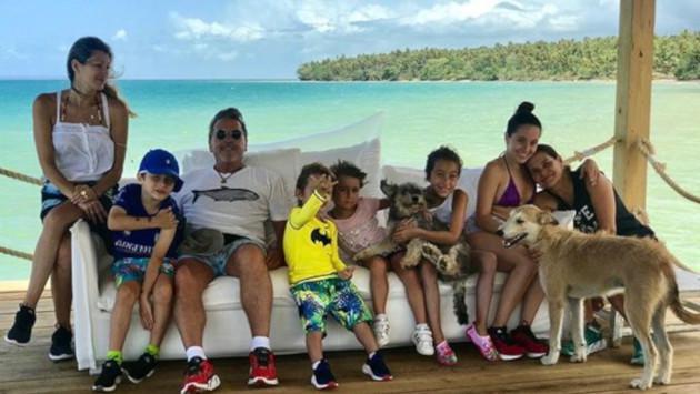 Ricardo Montaner comparte tiernos videos con sus mascotas