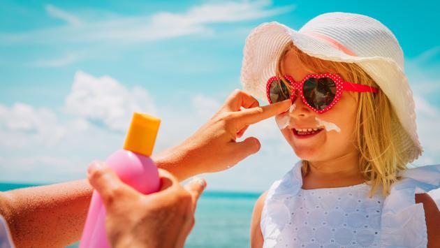 ¿Sabías que debes usar bloqueador solar todo el año?