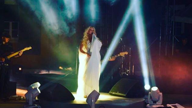 Yuri brilló en su reciente show en México