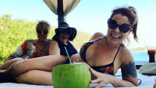 Alejandra Guzmán le dio la bienvenida al 2020 en sexy bikini