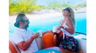 Marco Antonio Solís disfruta sus vacaciones en esta playa paradisiaca