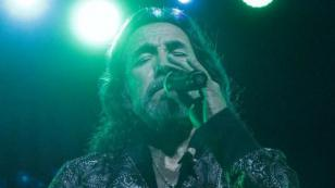 Marco Antonio Solís enseña un video de su último show en Portland