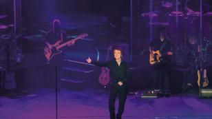 Raphael deleitó con sus éxitos al Auditorio Nacional de México